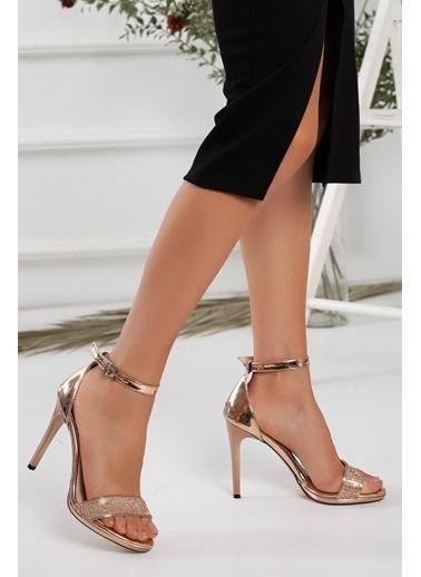Dilimler Ayakkabı Dilimler Ayakkabı 10 Cm Topuk Parlak Rugan Malzeme Platin Kadın Platform Topuk Ayakkabı Pembe